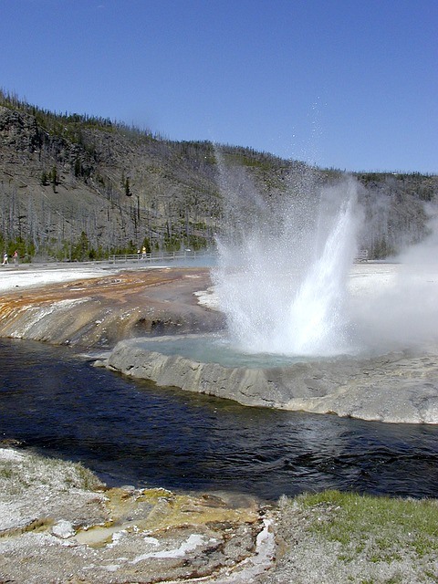 yellowstone-national-park-53962_640