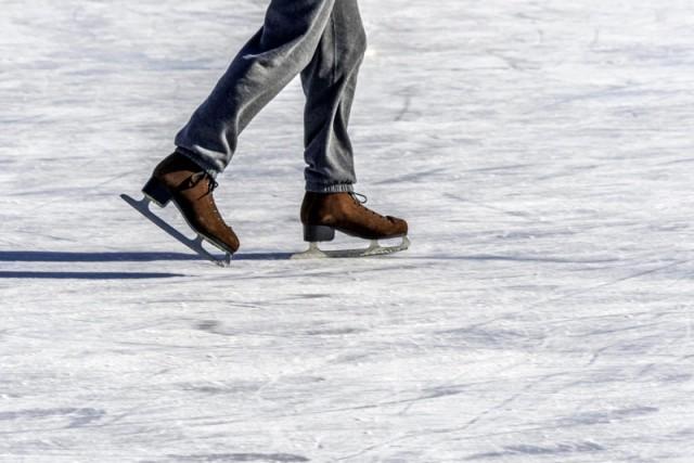 patinar-hielo-barcelona-800x534